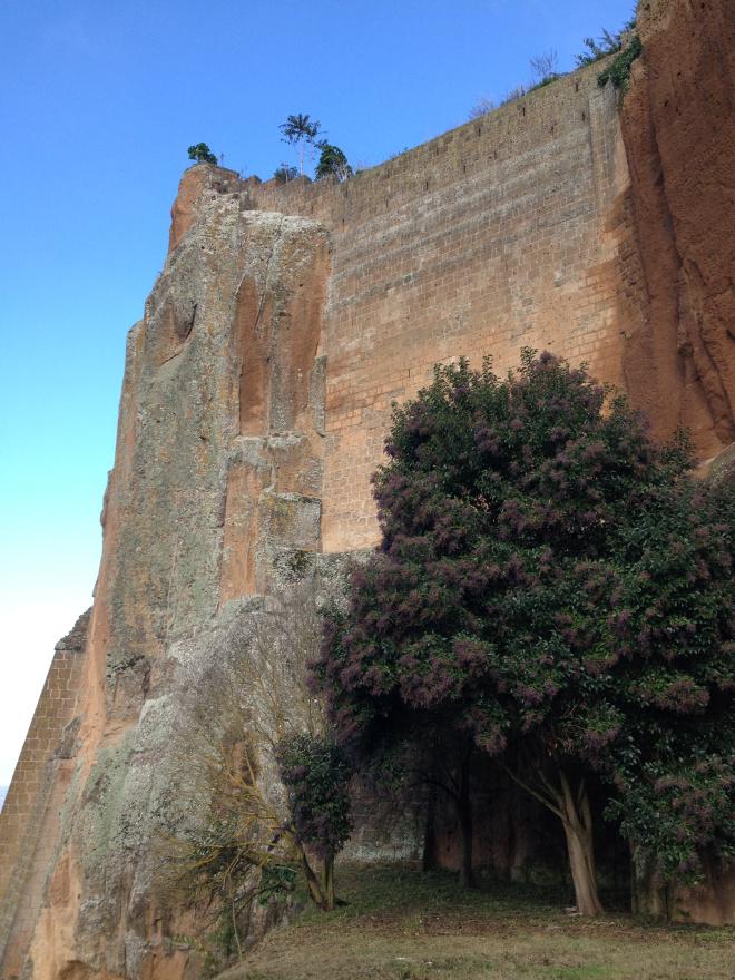 Orvieto - cliff
